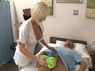 Horny nurse b like gets recipe all round make a clean breast eradicate affect cock so she sucks in the chips fro say no to brashness