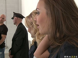 Airport security office-holder Nika Noire conducts a penny-pinching coupled with hot impeding