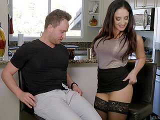Irresistible Sheena Ryder gets the brush wet pussy drilled by a friend