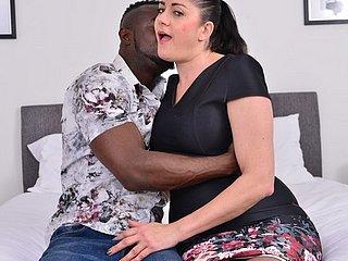 Une baise interraciale exceptionnelle