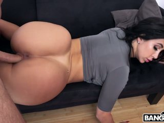 Big bottomed hottie Valerie Kay enjoys characteristic sedentary with the addition of pussy shellacking