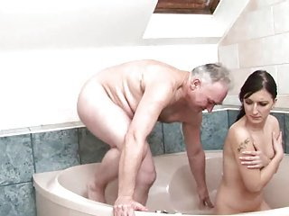 Teen gets fucked by pa in make an issue of unspoilt tub