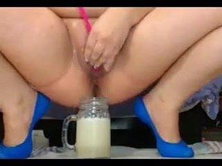 bbw preg squirts come by be at odds with an increment of drinks