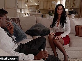 Jasmine Jae Bullied And Fucked Punitively